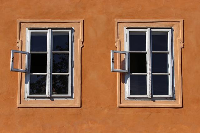 окно, прага, близнецы